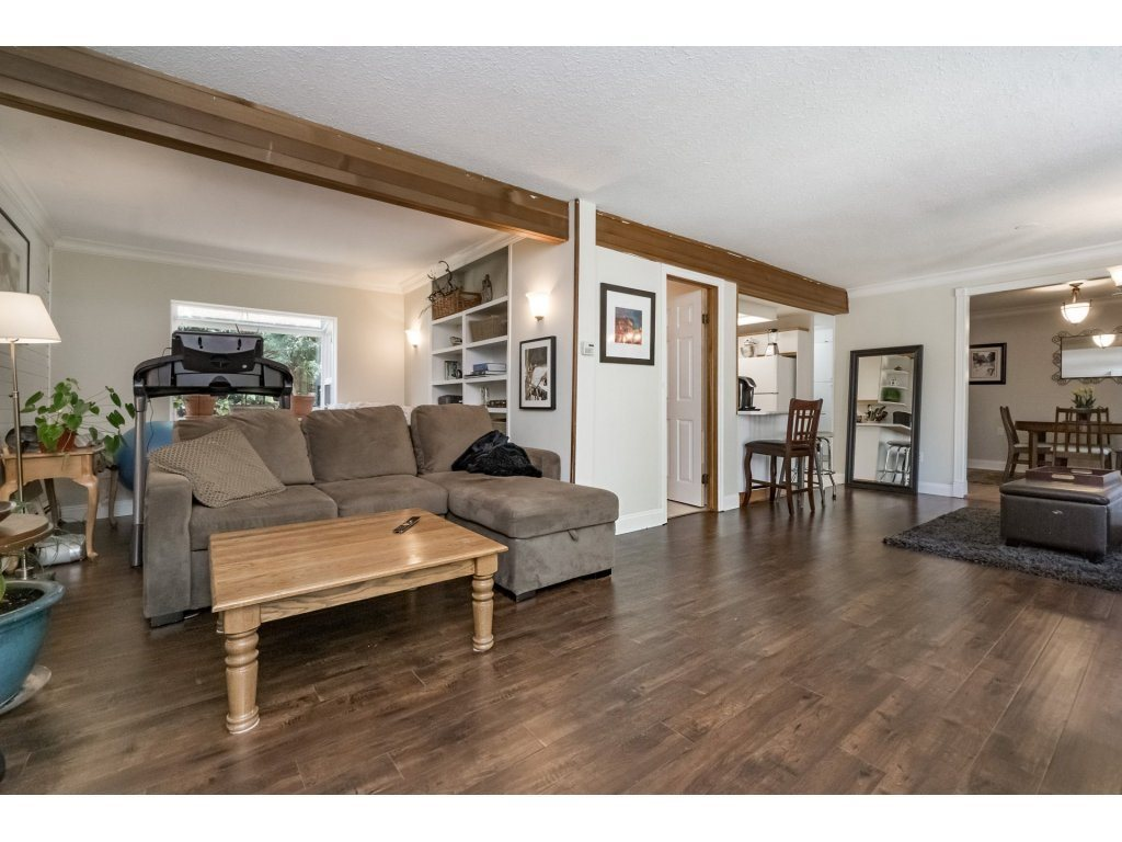 Detached at 2740 124B STREET, South Surrey White Rock, British Columbia. Image 6