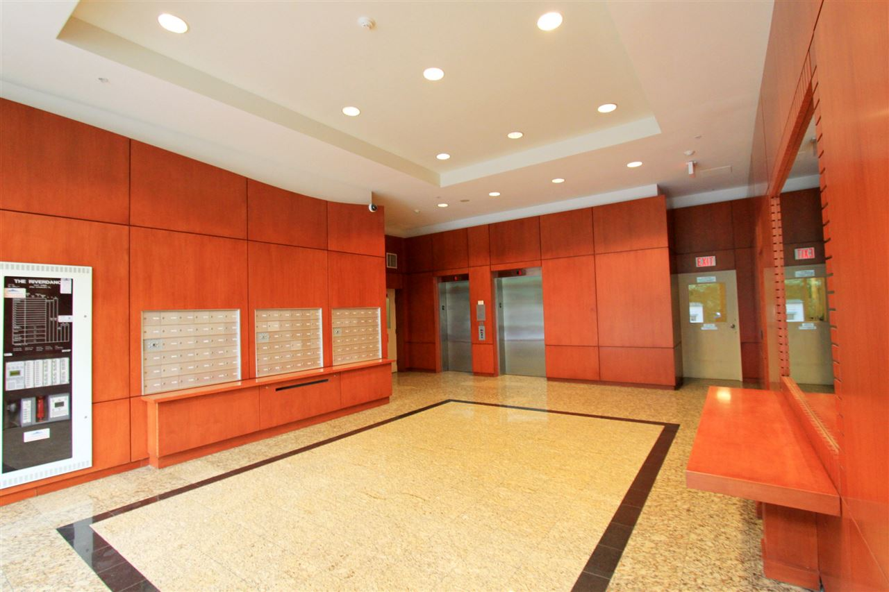 Condo Apartment at 511 2763 CHANDLERY PLACE, Unit 511, Vancouver East, British Columbia. Image 2