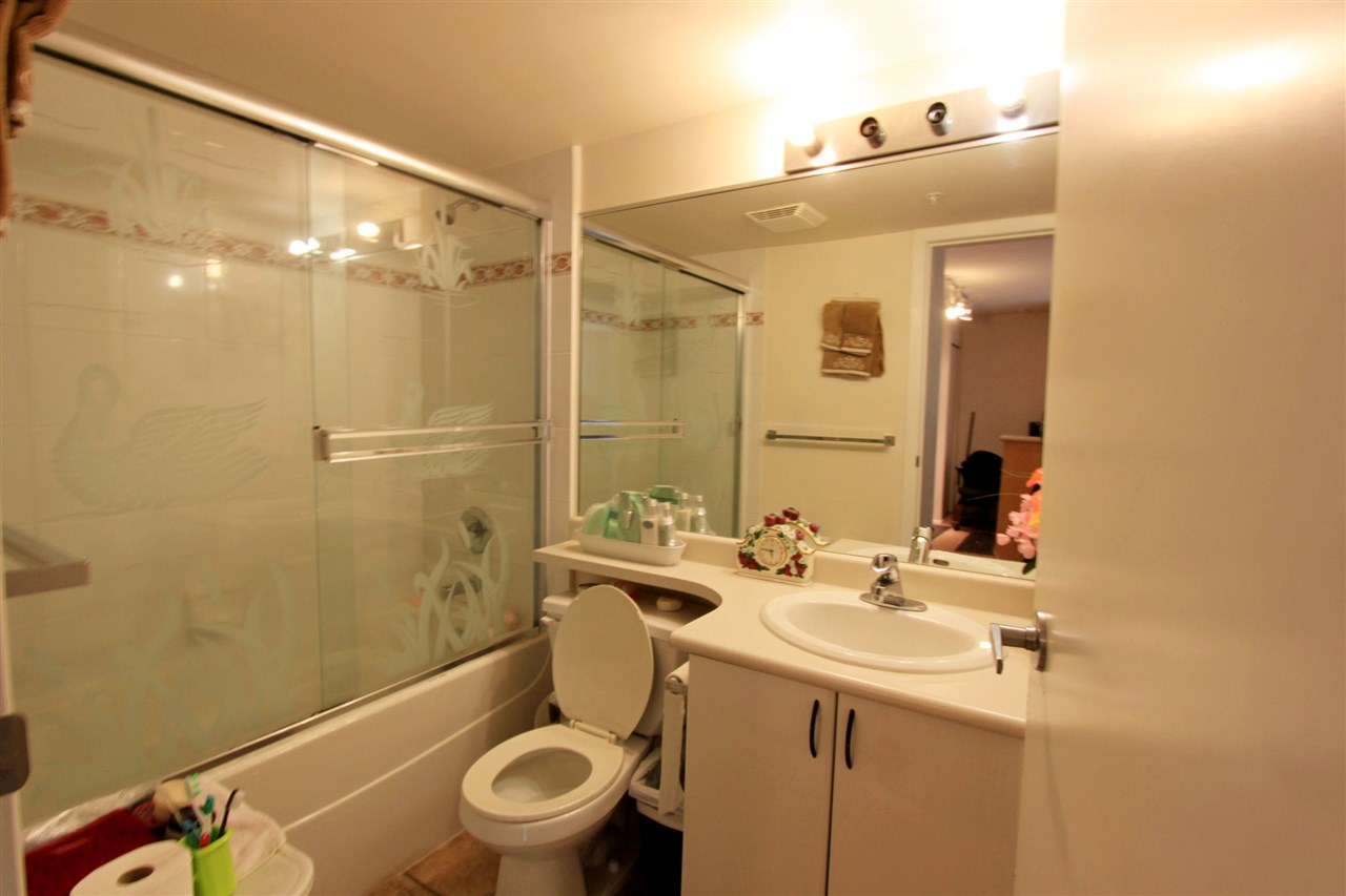 Condo Apartment at 511 2763 CHANDLERY PLACE, Unit 511, Vancouver East, British Columbia. Image 8