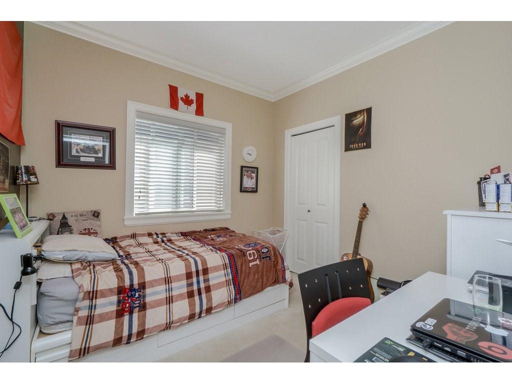 Detached at 5954 128A STREET, Surrey, British Columbia. Image 13