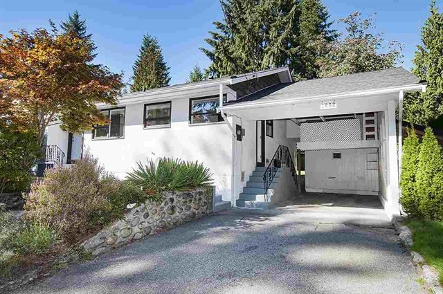 Detached at 1002 CLEMENTS AVENUE, North Vancouver, British Columbia. Image 1