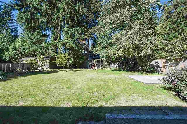 Detached at 1002 CLEMENTS AVENUE, North Vancouver, British Columbia. Image 6