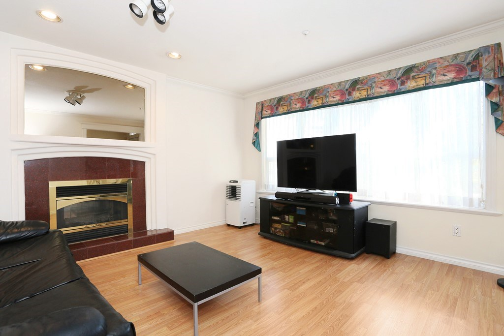 Detached at 3650 VIMY CRESCENT, Vancouver East, British Columbia. Image 2