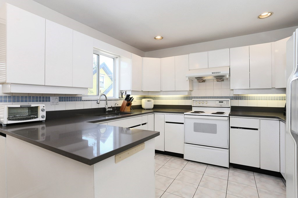 Detached at 3650 VIMY CRESCENT, Vancouver East, British Columbia. Image 8