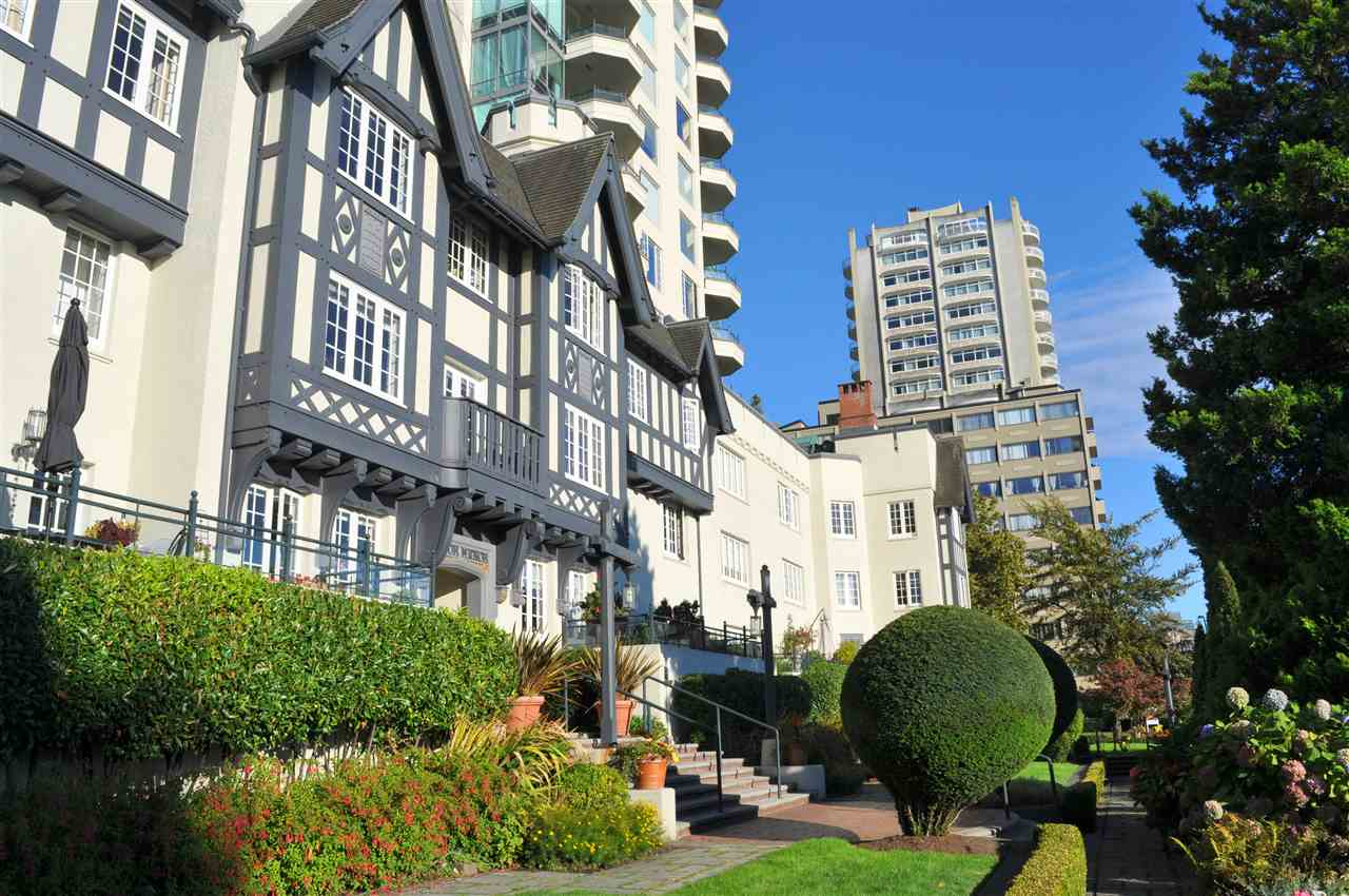 Condo Apartment at 209 1311 BEACH AVENUE, Unit 209, Vancouver West, British Columbia. Image 2