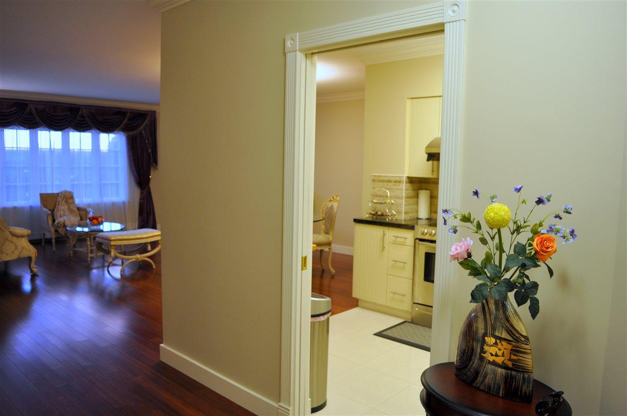 Condo Apartment at 209 1311 BEACH AVENUE, Unit 209, Vancouver West, British Columbia. Image 5