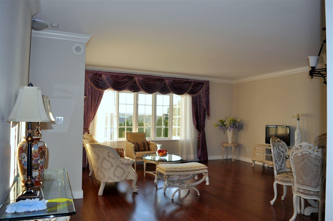 Condo Apartment at 209 1311 BEACH AVENUE, Unit 209, Vancouver West, British Columbia. Image 6