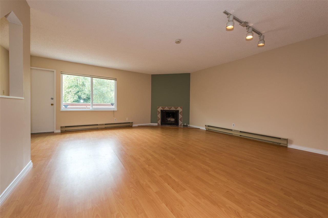 Townhouse at 3418 LANGFORD AVENUE, Vancouver East, British Columbia. Image 2