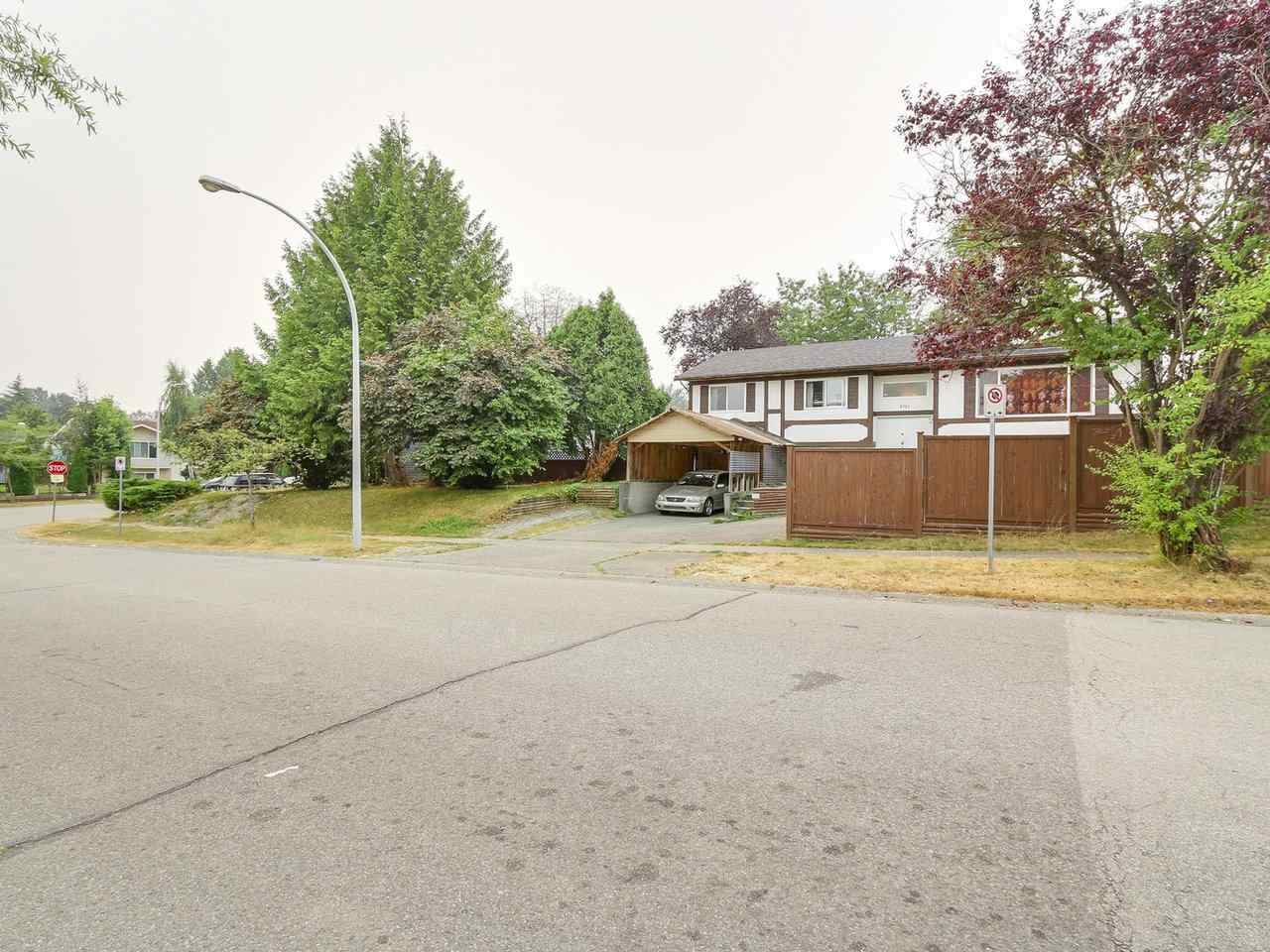 Detached at 8785 133A STREET, Surrey, British Columbia. Image 2