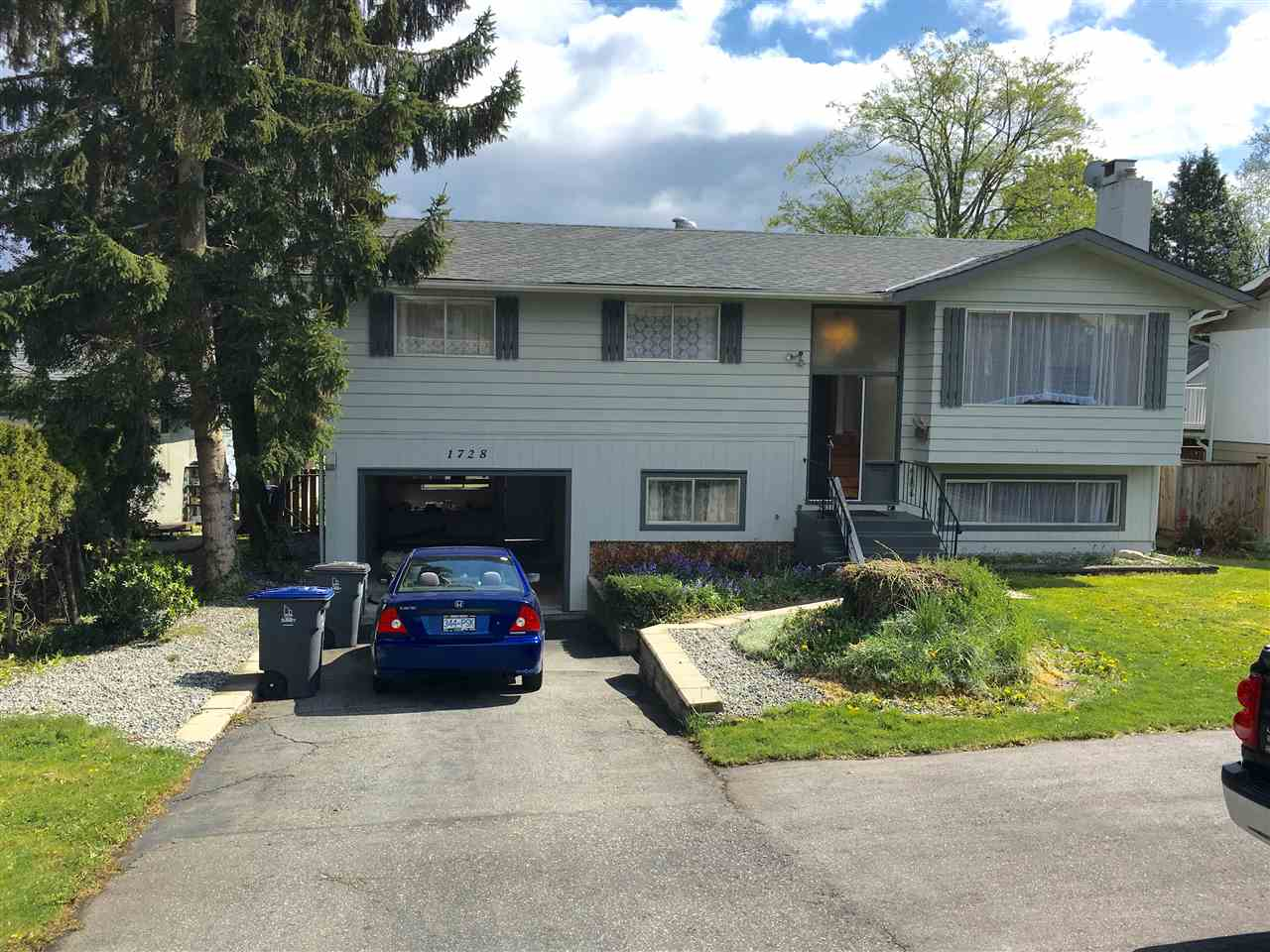 Detached at 1728 156 STREET, South Surrey White Rock, British Columbia. Image 1
