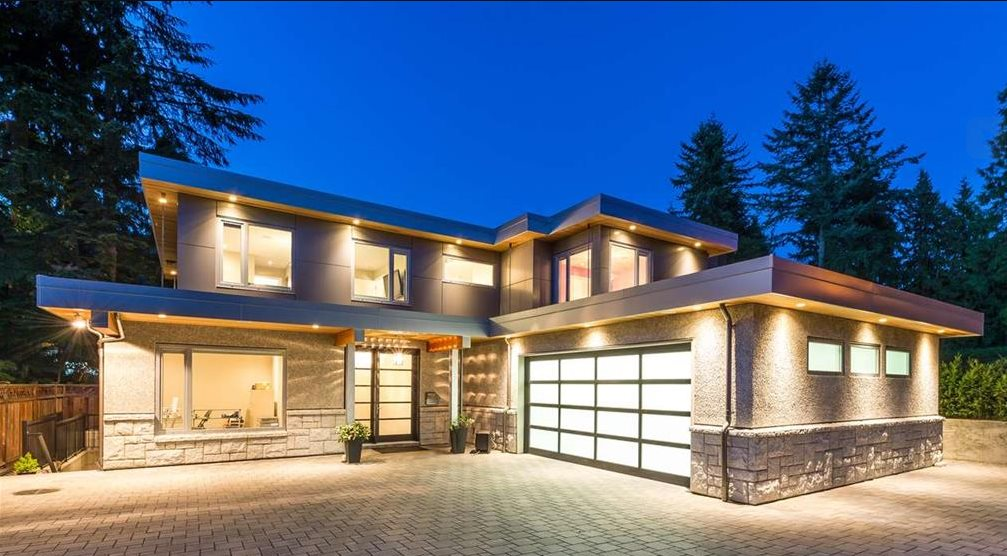 Detached at 630 E CARISBROOKE ROAD, North Vancouver, British Columbia. Image 1