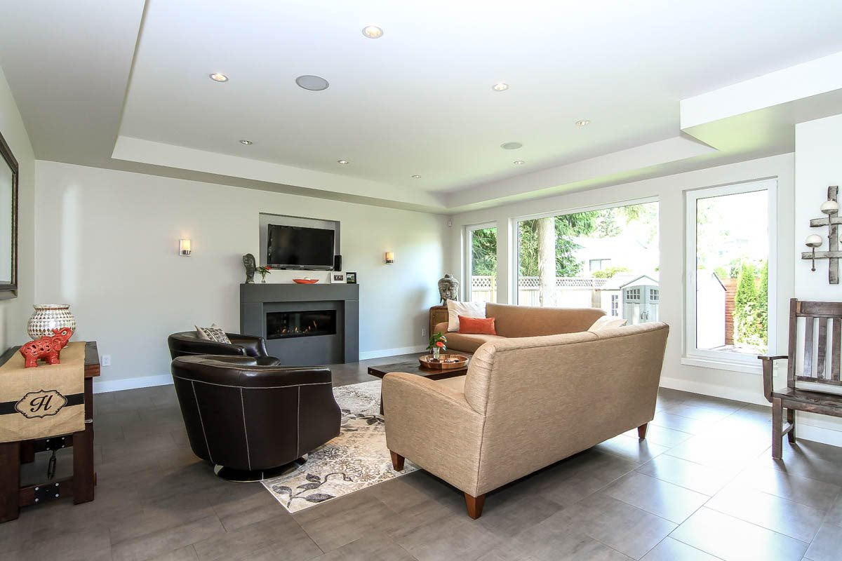 Detached at 630 E CARISBROOKE ROAD, North Vancouver, British Columbia. Image 4