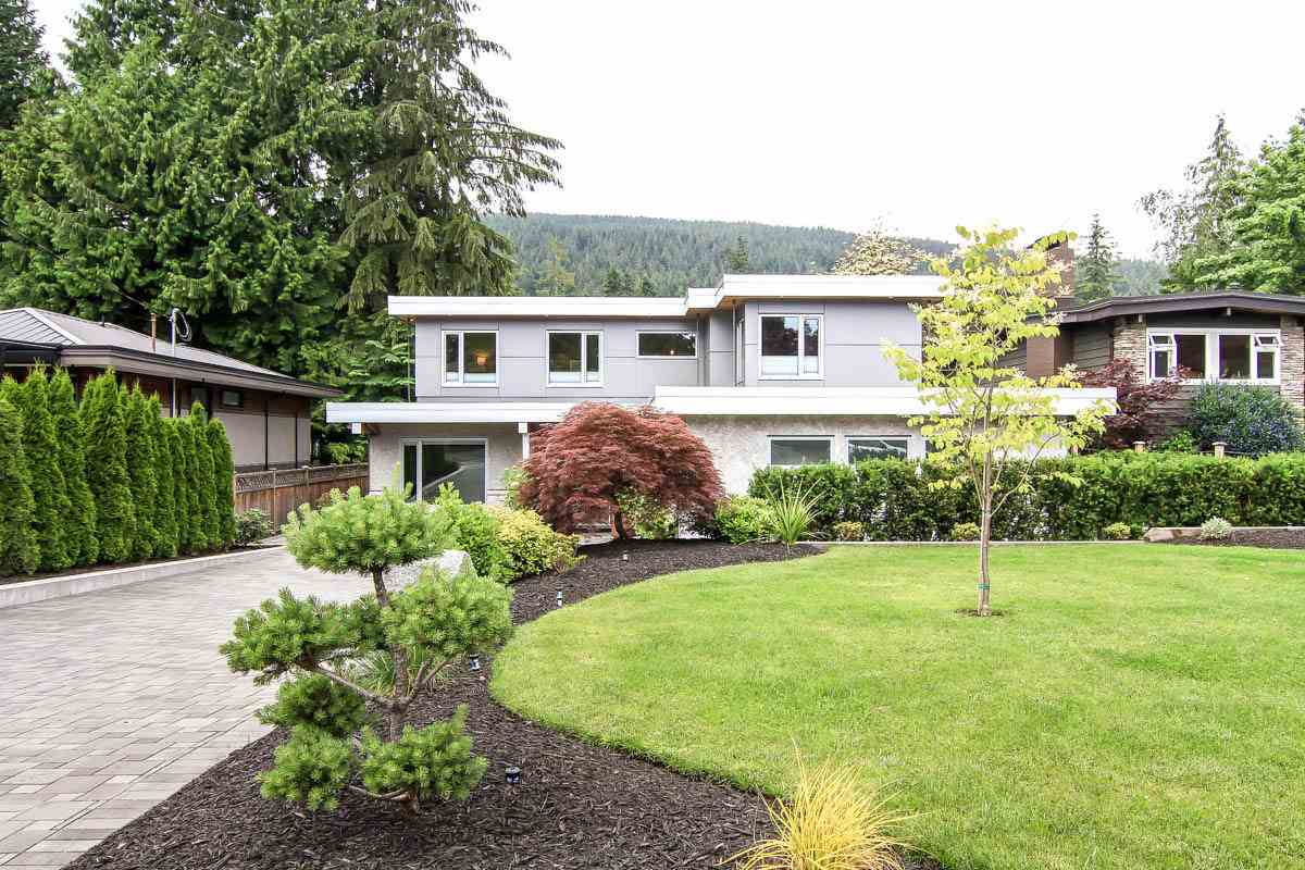 Detached at 630 E CARISBROOKE ROAD, North Vancouver, British Columbia. Image 16