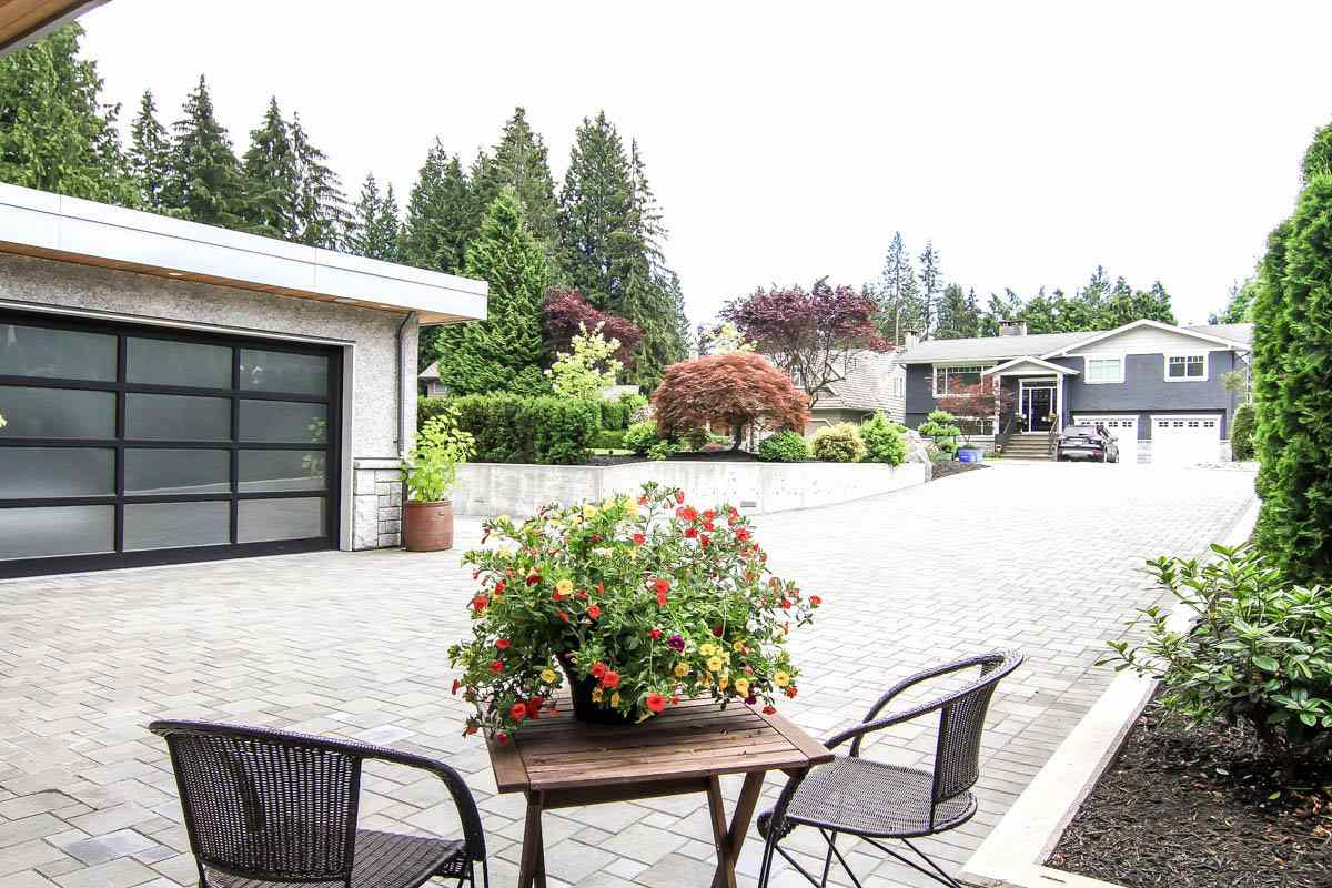 Detached at 630 E CARISBROOKE ROAD, North Vancouver, British Columbia. Image 17