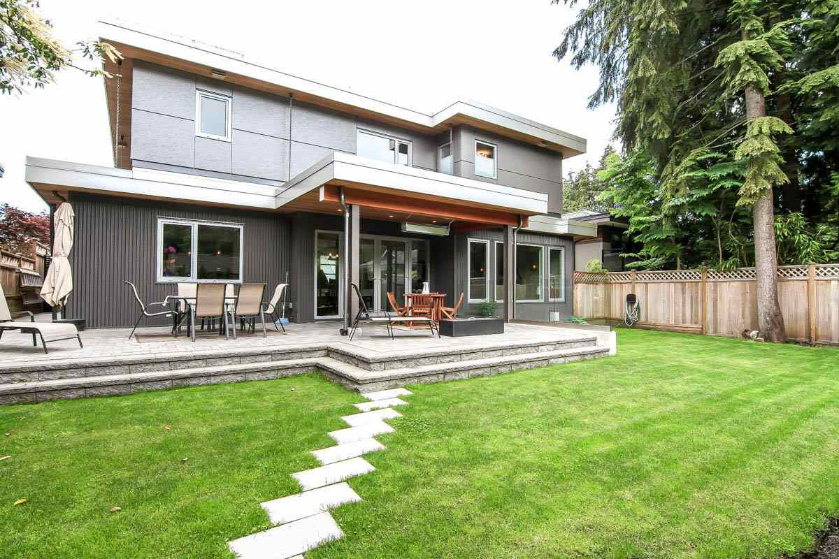 Detached at 630 E CARISBROOKE ROAD, North Vancouver, British Columbia. Image 18