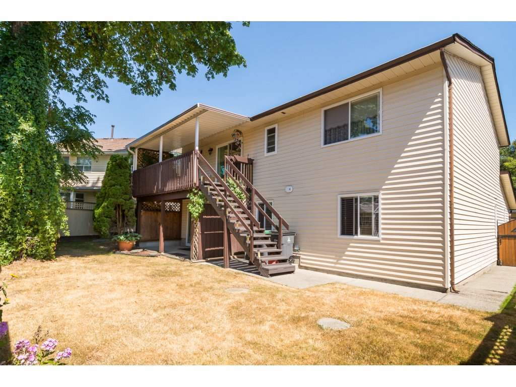 Detached at 8681 146A STREET, Surrey, British Columbia. Image 19