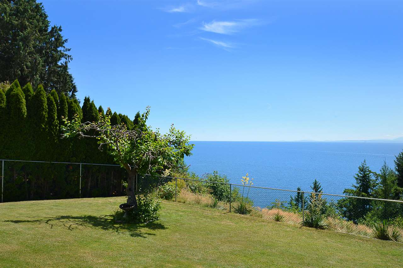 Detached at 7811 REDROOFFS ROAD, Sunshine Coast, British Columbia. Image 17
