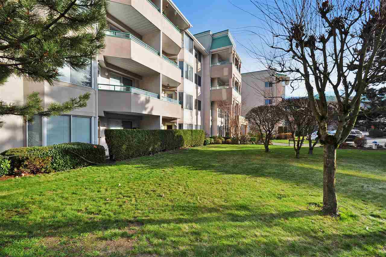 Condo Apartment at 434 33173 OLD YALE ROAD, Unit 434, Abbotsford, British Columbia. Image 2