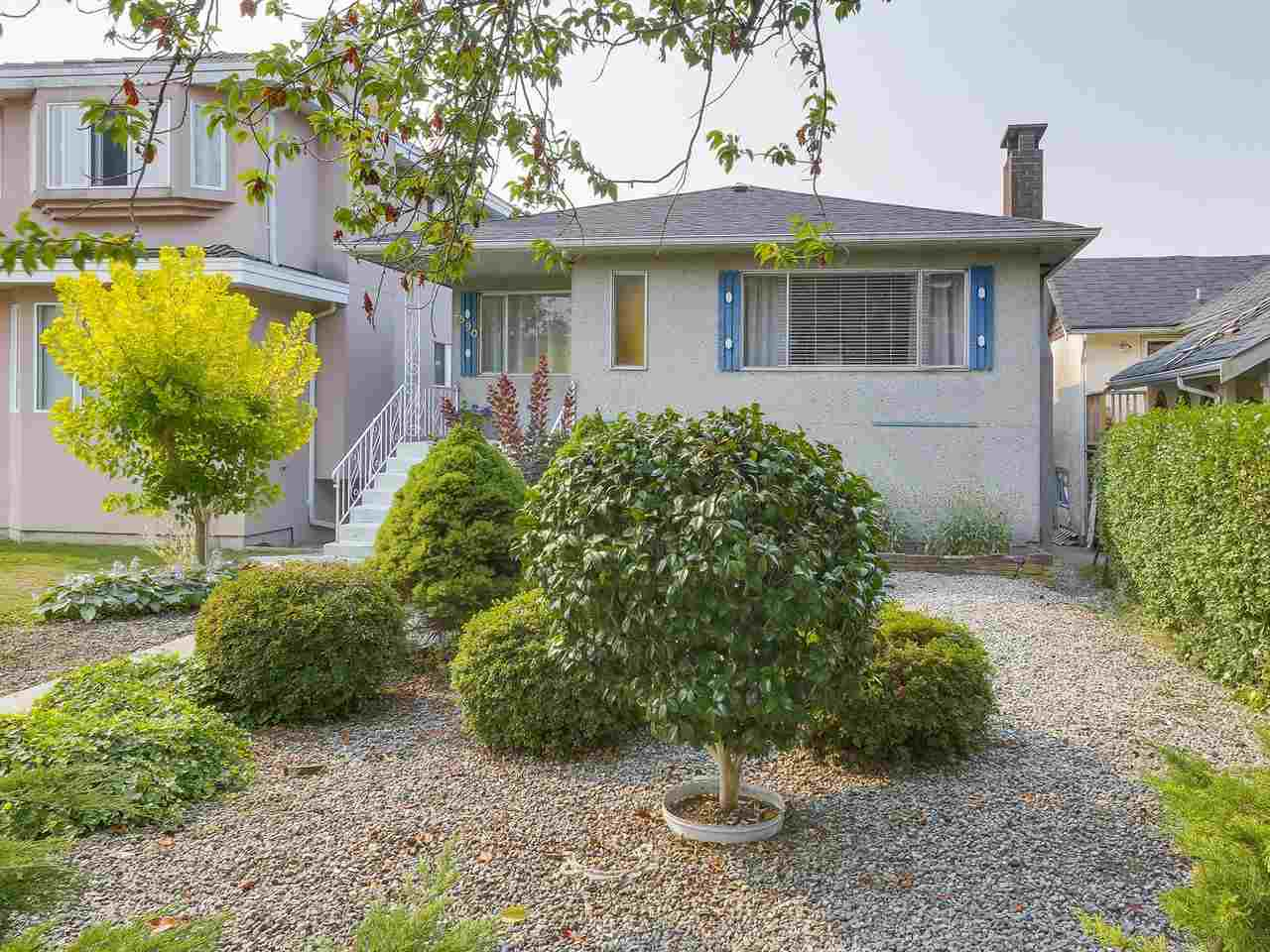 Detached at 4590 UNION STREET, Burnaby North, British Columbia. Image 2