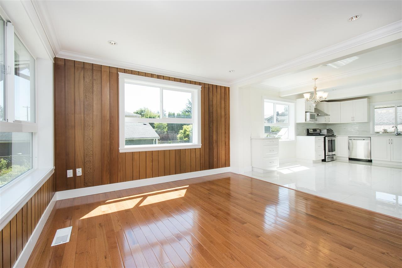 Detached at 1715 MACGOWAN AVENUE, North Vancouver, British Columbia. Image 3