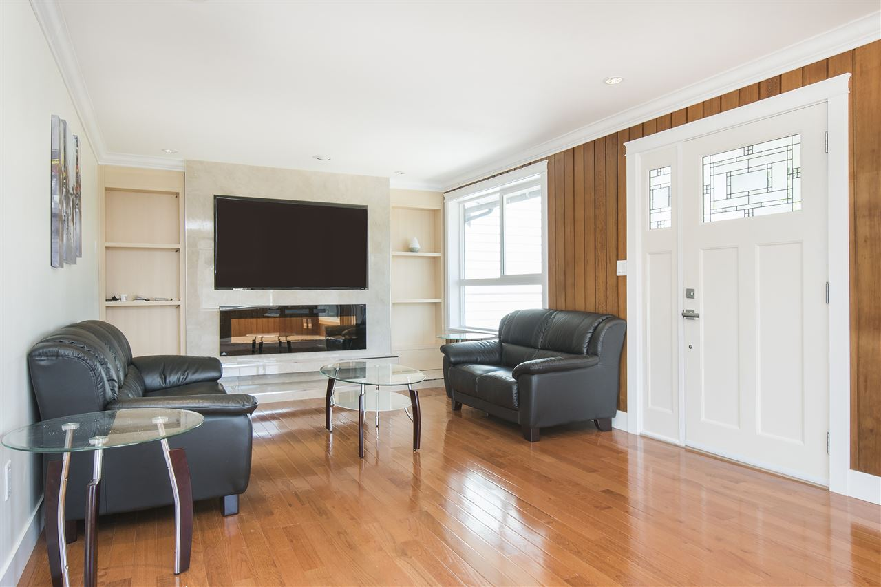 Detached at 1715 MACGOWAN AVENUE, North Vancouver, British Columbia. Image 4