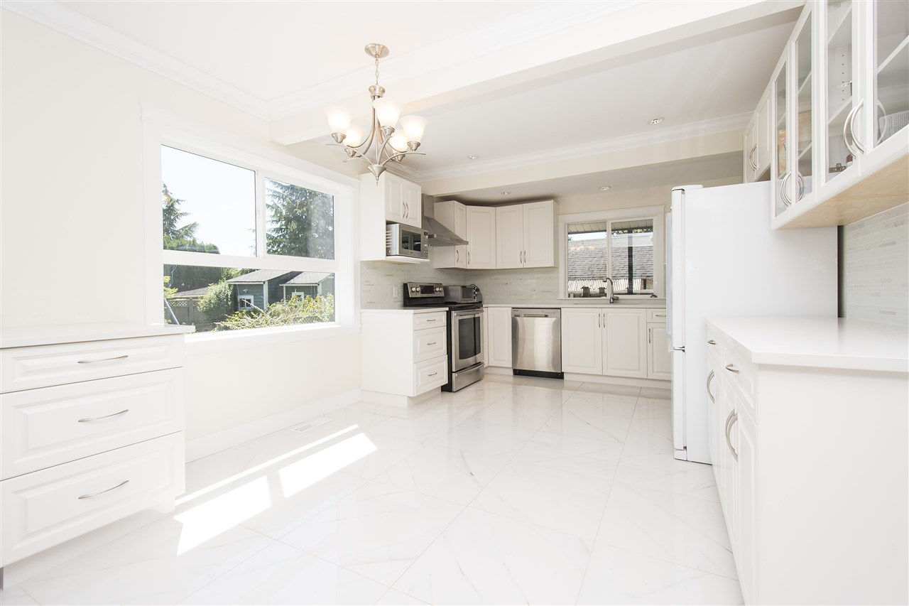 Detached at 1715 MACGOWAN AVENUE, North Vancouver, British Columbia. Image 5