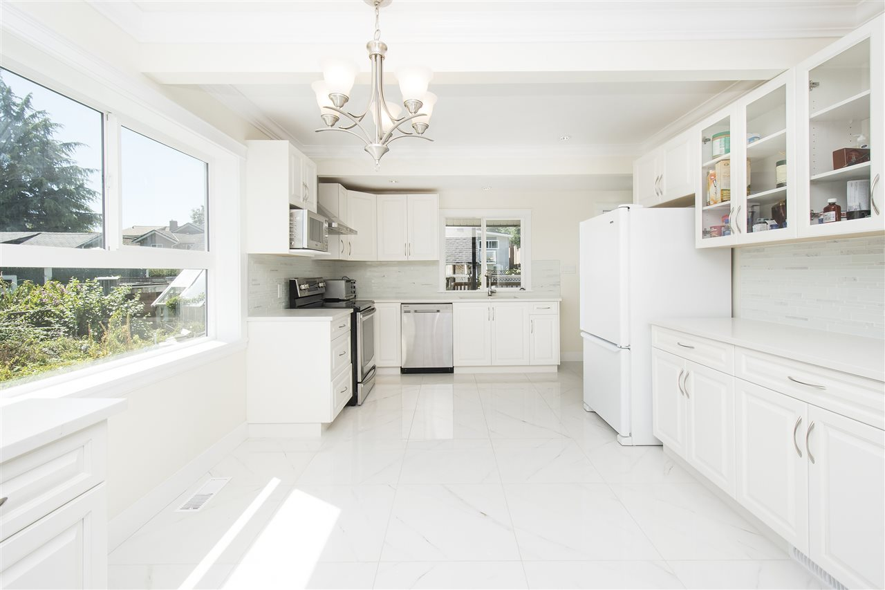 Detached at 1715 MACGOWAN AVENUE, North Vancouver, British Columbia. Image 7