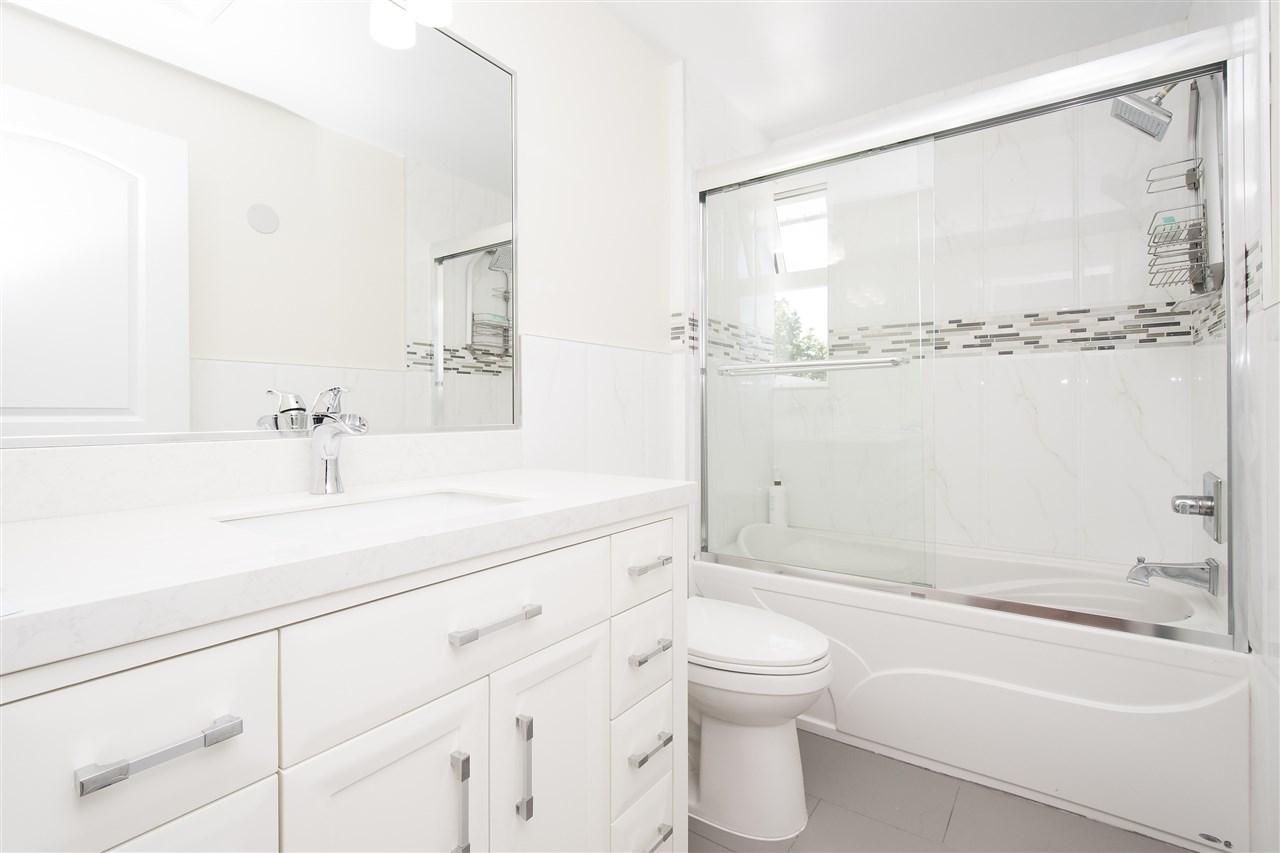 Detached at 1715 MACGOWAN AVENUE, North Vancouver, British Columbia. Image 11