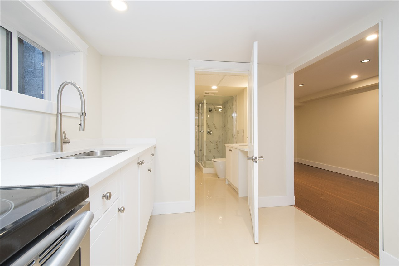 Detached at 1715 MACGOWAN AVENUE, North Vancouver, British Columbia. Image 16