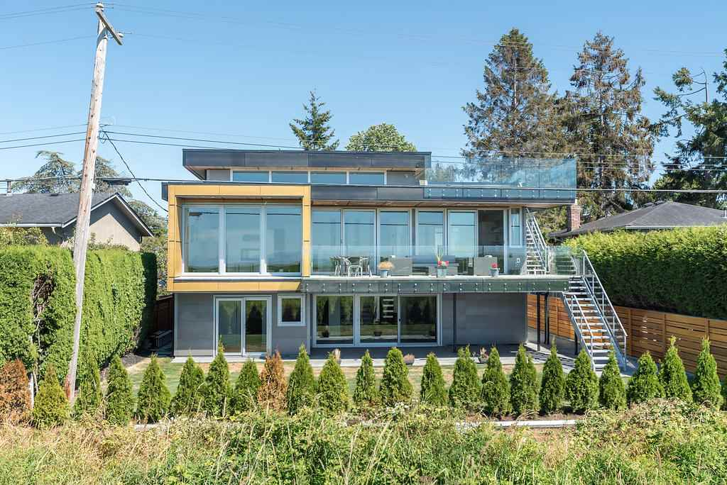 Detached at 8500 FAIRDELL CRESCENT, Richmond, British Columbia. Image 3
