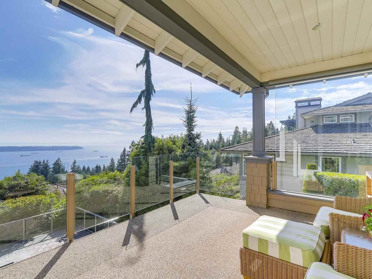 Detached at 2428 CHIPPENDALE ROAD, West Vancouver, British Columbia. Image 14