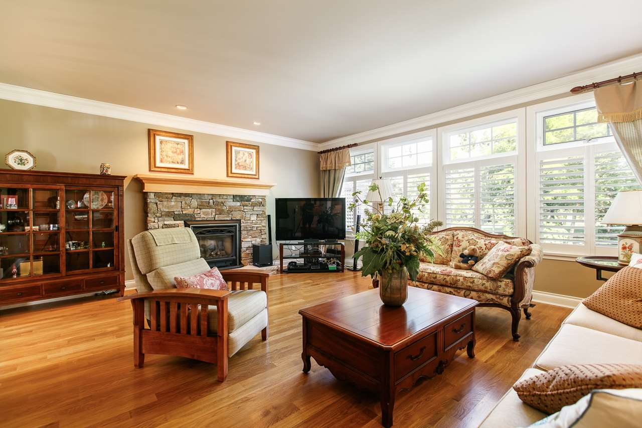 Detached at 3648 SOMERSET CRESCENT, South Surrey White Rock, British Columbia. Image 2