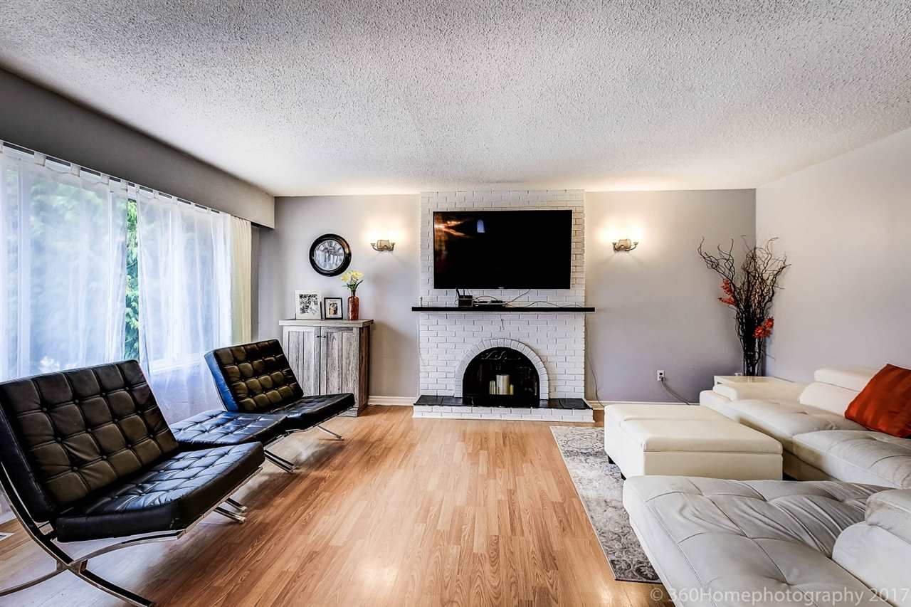 Detached at 10951 SOUTHPORT ROAD, Richmond, British Columbia. Image 2