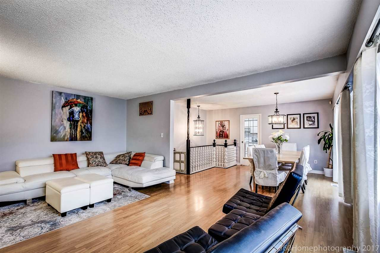 Detached at 10951 SOUTHPORT ROAD, Richmond, British Columbia. Image 3