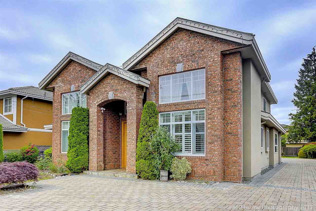 Detached at 5531 BLUNDELL ROAD, Richmond, British Columbia. Image 1