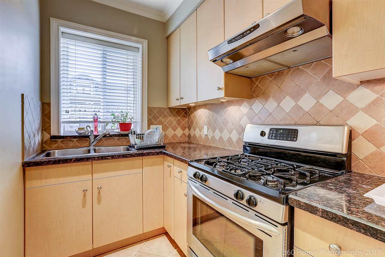 Detached at 5531 BLUNDELL ROAD, Richmond, British Columbia. Image 9