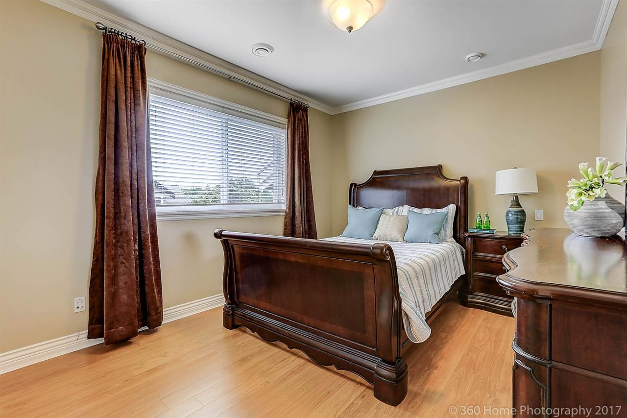 Detached at 5531 BLUNDELL ROAD, Richmond, British Columbia. Image 12