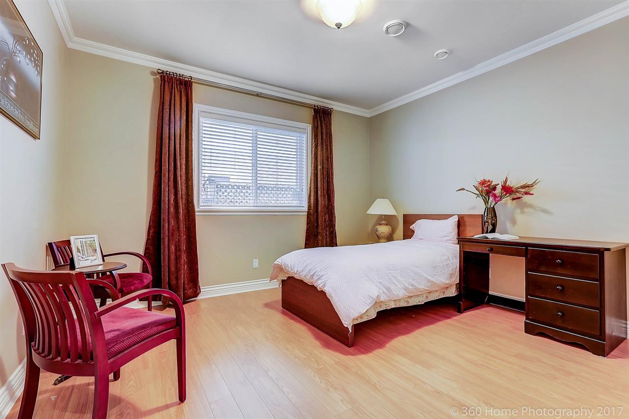 Detached at 5531 BLUNDELL ROAD, Richmond, British Columbia. Image 13