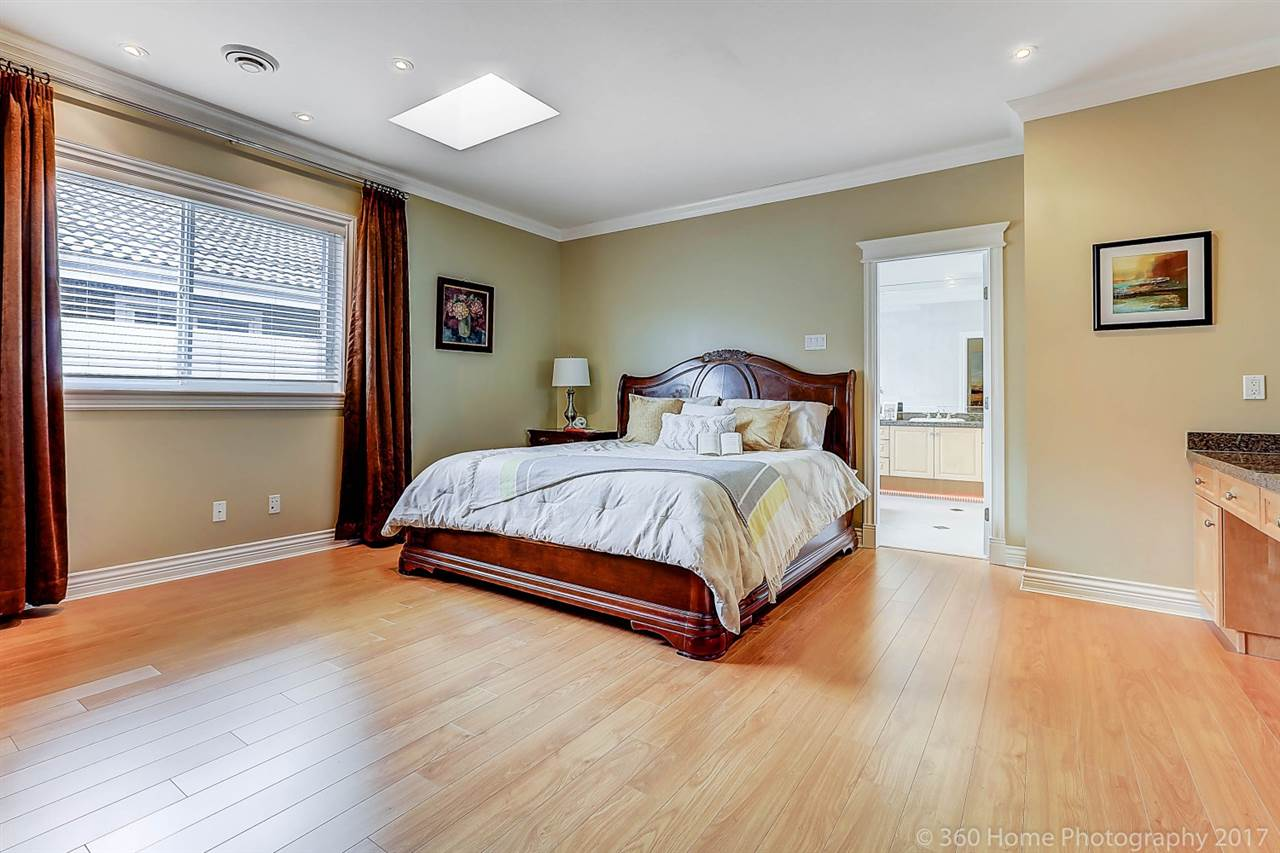 Detached at 5531 BLUNDELL ROAD, Richmond, British Columbia. Image 15