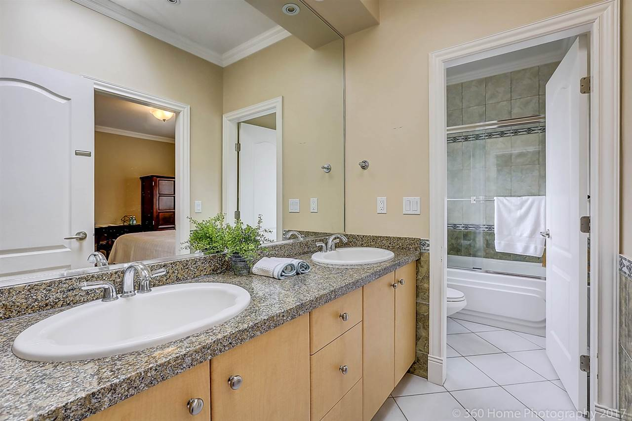 Detached at 5531 BLUNDELL ROAD, Richmond, British Columbia. Image 16