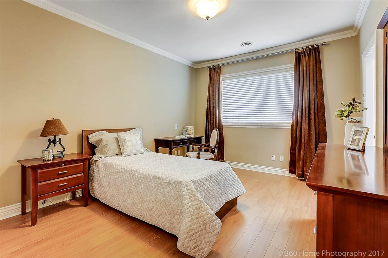 Detached at 5531 BLUNDELL ROAD, Richmond, British Columbia. Image 17