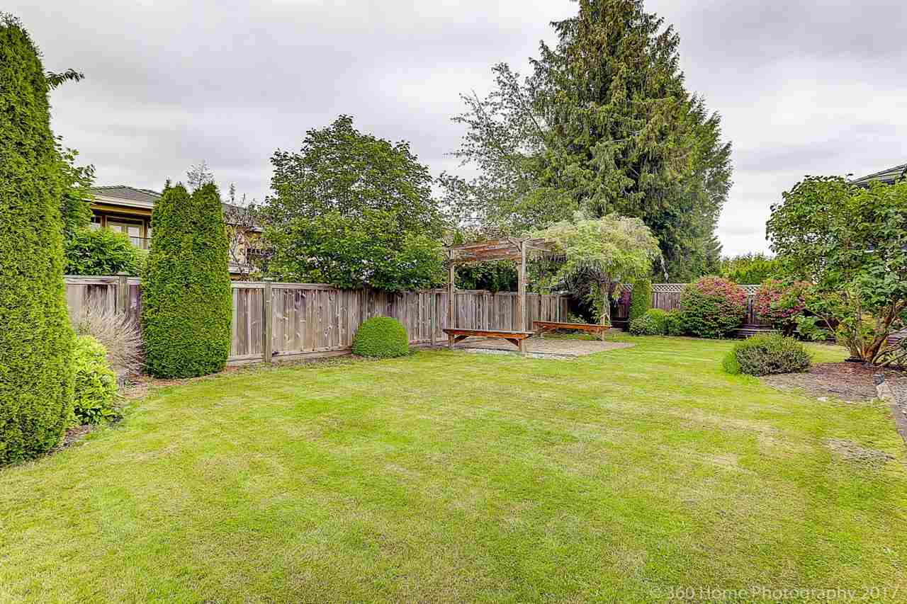 Detached at 5531 BLUNDELL ROAD, Richmond, British Columbia. Image 18