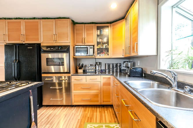 Detached at 4965 SE MARINE DRIVE, Burnaby South, British Columbia. Image 7