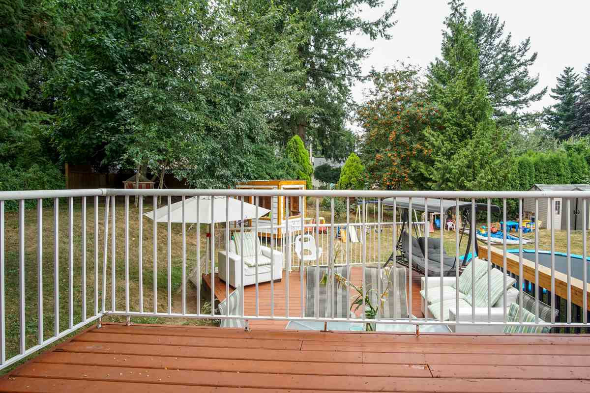 Detached at 32679 AVALON CRESCENT, Abbotsford, British Columbia. Image 16