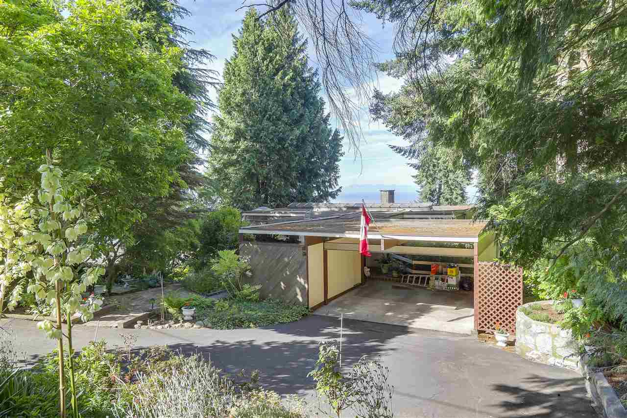 Detached at 2664 ROSEBERY AVENUE, West Vancouver, British Columbia. Image 15