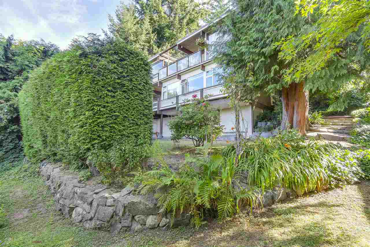 Detached at 2664 ROSEBERY AVENUE, West Vancouver, British Columbia. Image 16