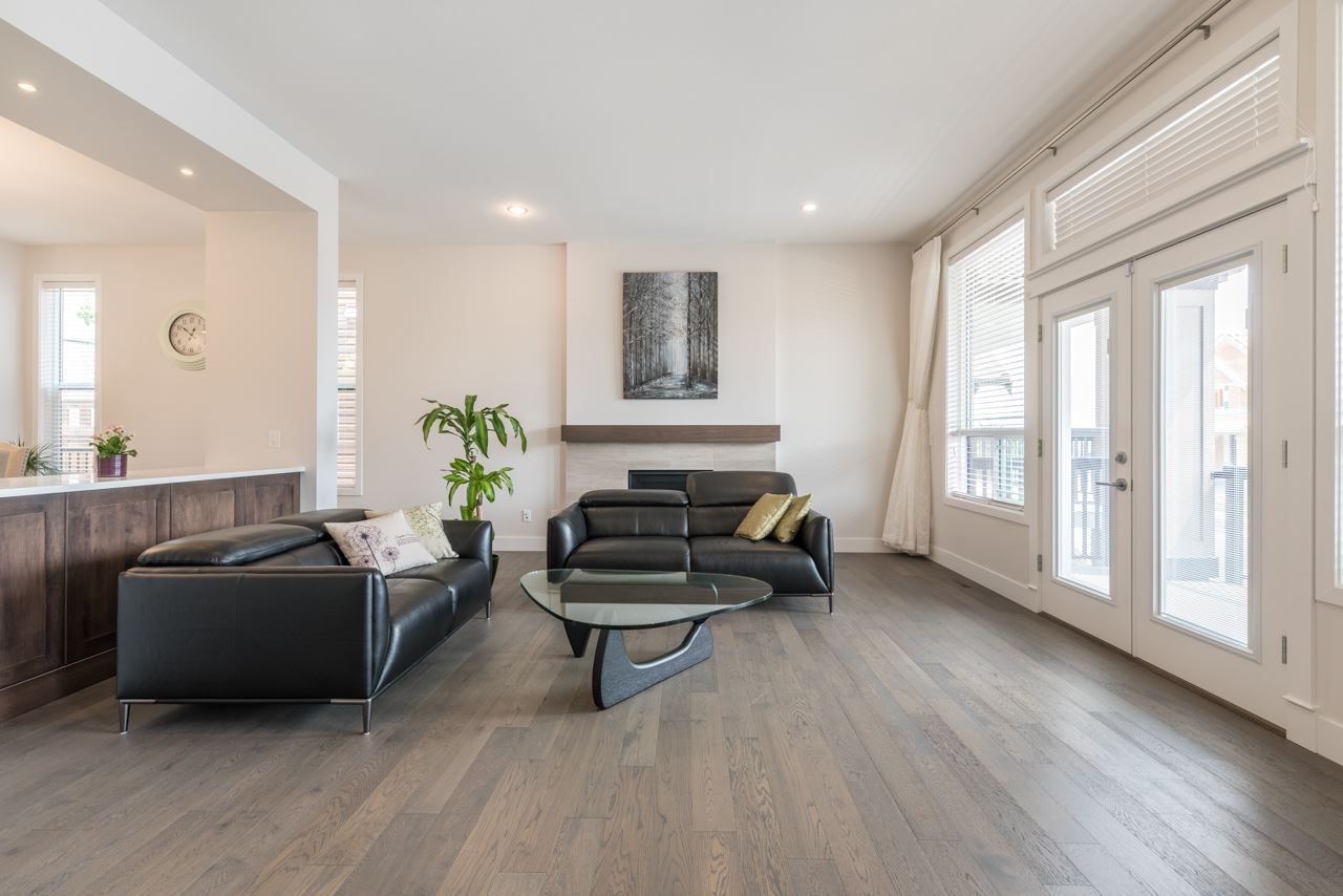 Detached at 1428 STRAWLINE HILL STREET, Coquitlam, British Columbia. Image 3