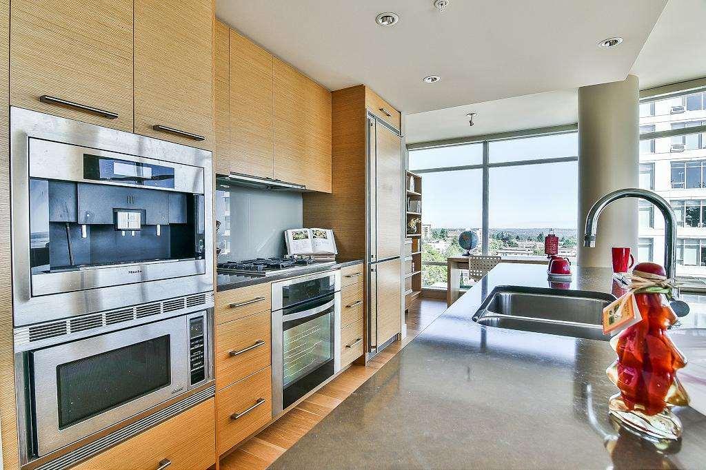 Condo Apartment at 801 15152 RUSSELL AVENUE, Unit 801, South Surrey White Rock, British Columbia. Image 10