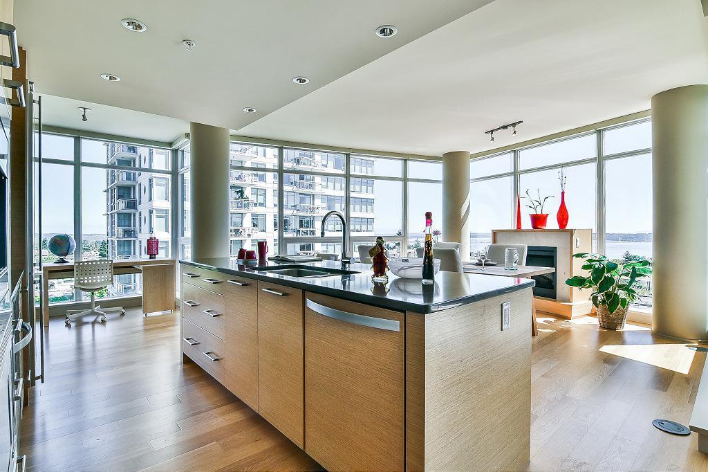 Condo Apartment at 801 15152 RUSSELL AVENUE, Unit 801, South Surrey White Rock, British Columbia. Image 11