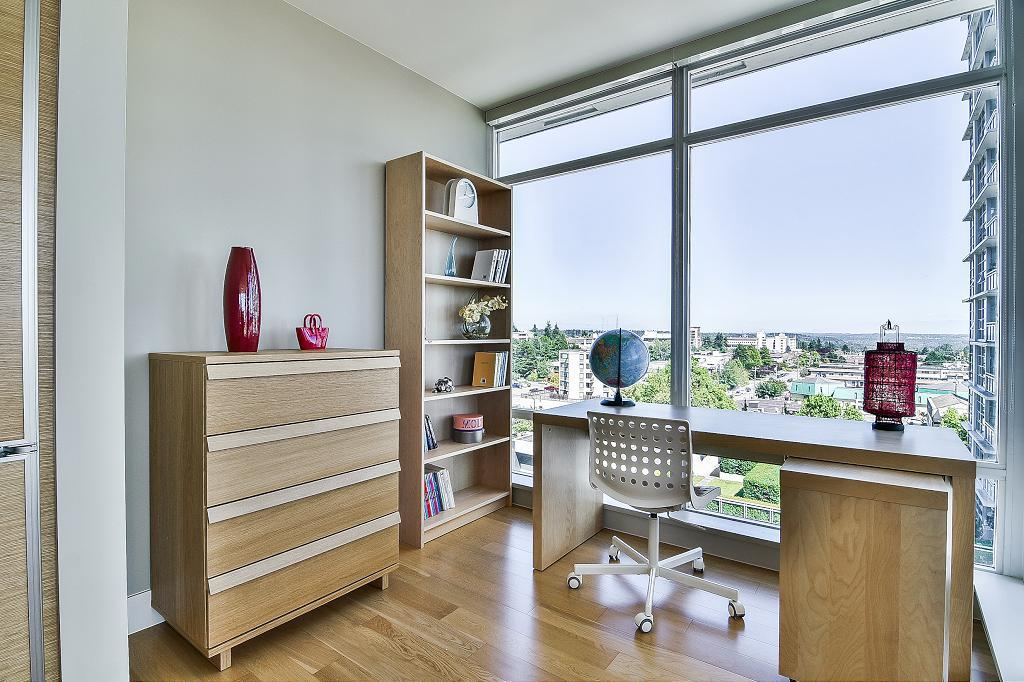 Condo Apartment at 801 15152 RUSSELL AVENUE, Unit 801, South Surrey White Rock, British Columbia. Image 12